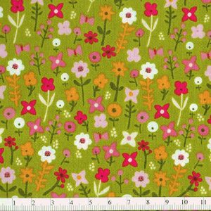 *P & B Textiles* Village Green Small Floral gr